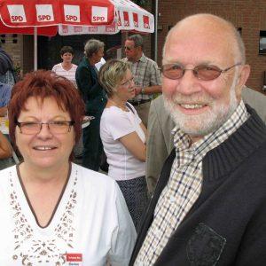 Ratsmitglied Marlies Stroschein und Fraktionsvorsitzender Rolf Uebach